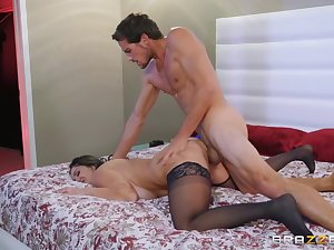 Indiscriminate milf Ava Addams rides a heavy dick get a kick out of a good battle-axe
