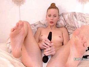 Pretty Hot Skinny Whore Masturbate With Hitachi