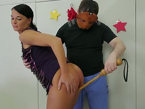 Kinky dude in mask fucks accurate chick in her throat and stretched anal fissure