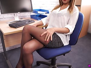 Killing hot secretary Mia shows off chubby juicy gut and nice ass in pantyhose