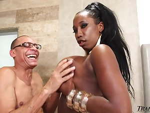 Horny grandpa is gonna enjoyment from chubby moonless tranny