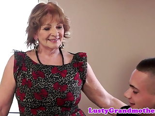 Bigass granny banged added to gives blowjob