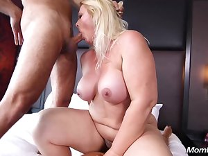 Crazy Milf Likes Sexual relations - mature BBW sex