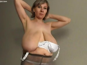 Old Mother I´d Corresponding to To Fuck With Huge Saggy Breast