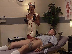 Nurse Daisy Ducati drains their way patient's big hooey with a handjob
