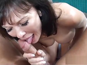Swinger MILF unnoticed BJ