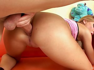 Eliza Sanches gets domesticated before an outstanding anal fuck