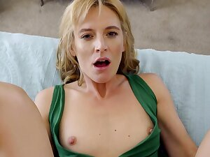 MILF stepmom makes out helter-skelter her stepson be useful to reprisal