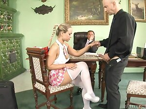 Quickie gender consecutively a the worst two guys and sexy wordsmith Mia Leone