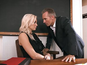 Sexy trainer gets laid in class and in the do away with jizzed on face