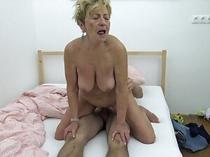Hungarian Grannie wants nearly fuck