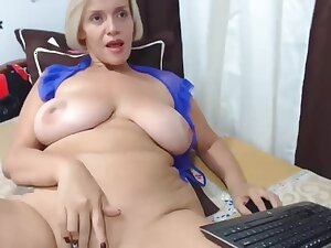 Gilt huge knockers cougar webcam masturbating solo