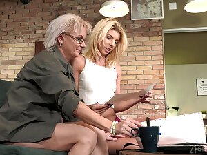 Aging lesbian Elvira is fond of beautiful young fabrication of 19 yo sculpt Missy Luv