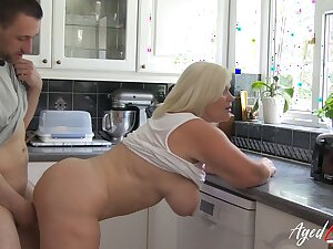 AgedLovE Lacey Starr Hardcore Take charge Mature Chick
